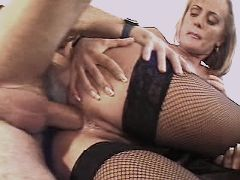 Blond mature gets cumshot