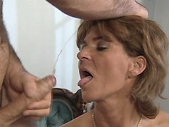 Mom has sex n gets facial