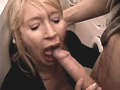 Aged mature sucking dick