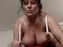 This mom knows how to handle cock
