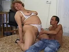 Chubby granny spoils amateur dude