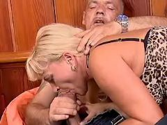 Mature sucks big cock of older man